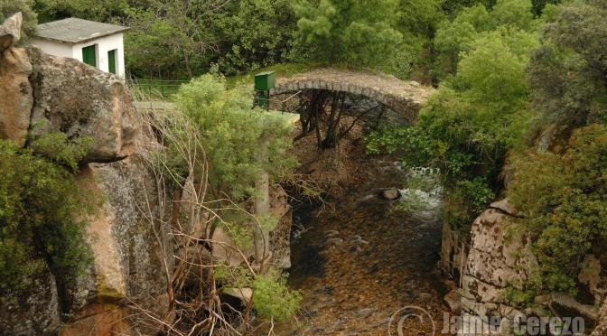 Puente de Las Veredas en el Río Ibor