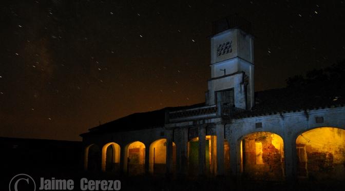 Fotos nocturnas en el pueblo abandonado de Almansa (Alía)