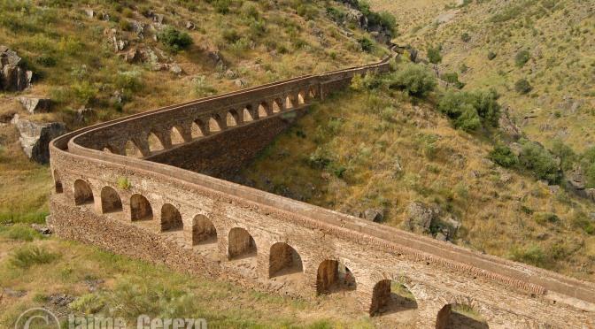 Ruta por la Garganta de Descuernacabras (Campillo de Deleitosa).