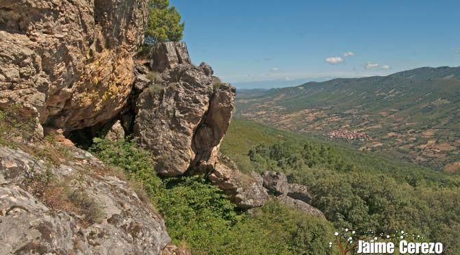Visitando la Cueva de Las Arbellas (Cabañas del Castillo)