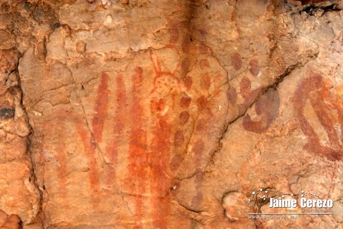 Aparece otra cueva con pinturas rupestres en Navezuelas
