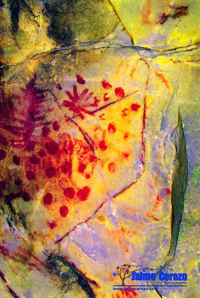Nuevo panel de pinturas rupestres en Solana de Cabañas