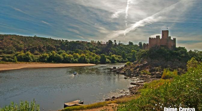 Castillo de Almourol (  Vila Nova da Barquinha, Portugal )