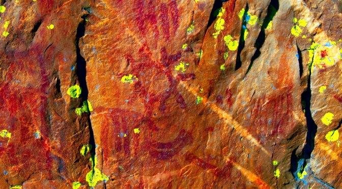 Pinturas rupestres en Cabañas del castillo