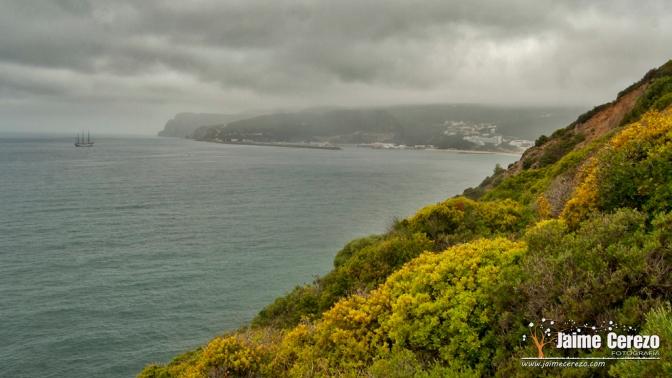 Paseo por la costa de Sesimbra (Portugal)